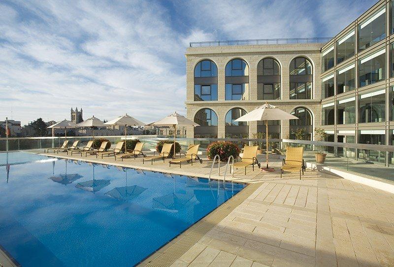 מלון גרנד קורט ירושלים בריכה